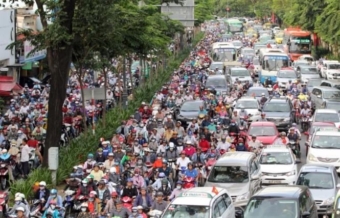Nhà đầu tư nước ngoài lo ngại ùn tắc ở sân bay Tân Sơn Nhất  - ảnh 1