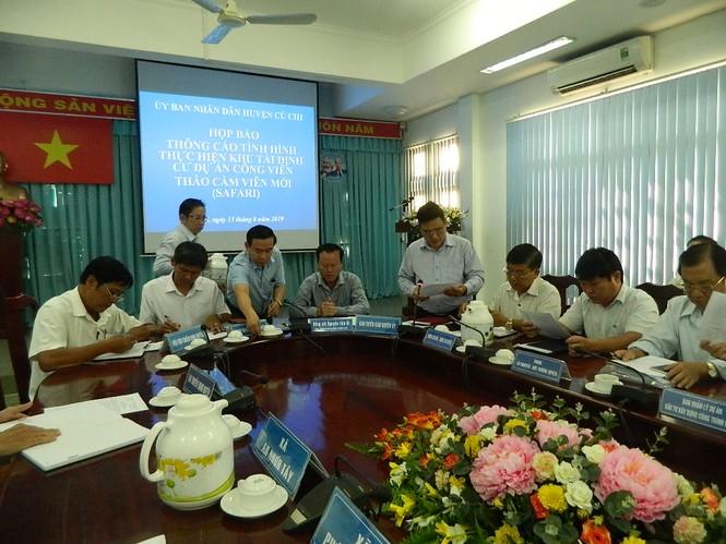 Hàng chục hộ dân ngăn cản thi công khu tái định cư Sài Gòn Safari - ảnh 1