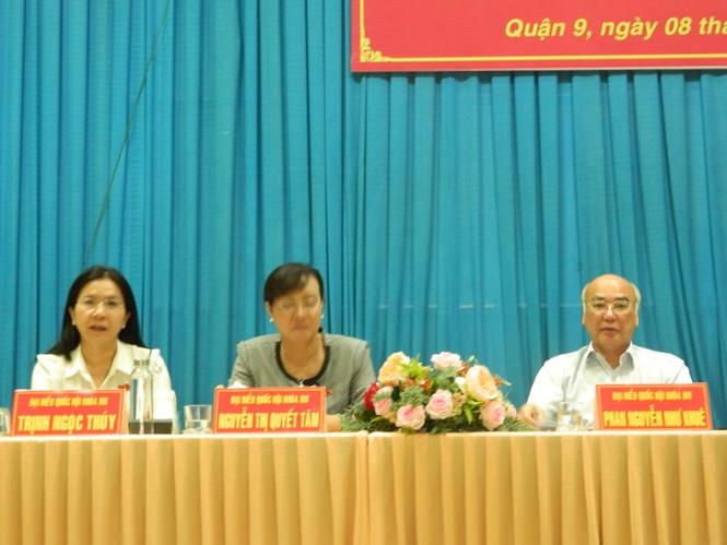 Cử tri đề nghị cho ông Tất Thành Cang thôi nhiệm vụ đại biểu HĐND TPHCM - ảnh 1