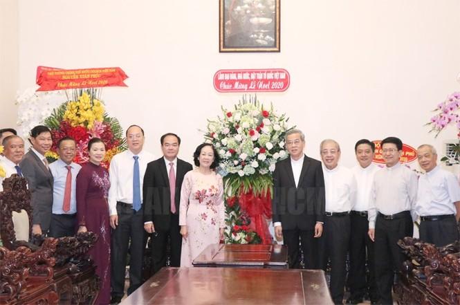 Bà Trương Thị Mai thăm, chúc mừng Giáng sinh Tòa Tổng Giám mục TPHCM  - ảnh 1