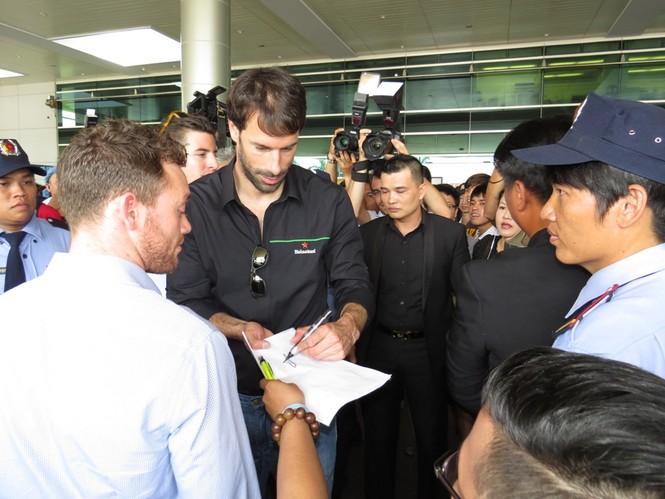 Van Nistelrooy đã đến Sài Gòn cùng Cup Champions League - ảnh 7