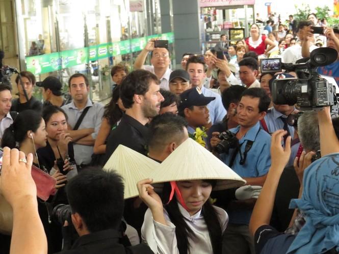 Van Nistelrooy đã đến Sài Gòn cùng Cup Champions League - ảnh 3