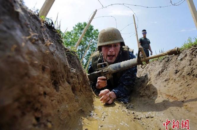 Hải quân Mỹ luyện binh nơi 'địa ngục trần gian' - ảnh 2