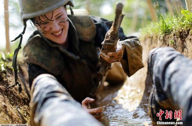 Hải quân Mỹ luyện binh nơi 'địa ngục trần gian' - ảnh 4