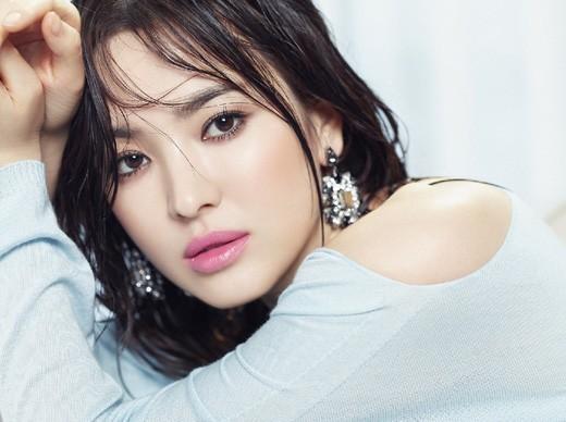 Vẻ đẹp 'không dao kéo' của Song Hye Kyo - ảnh 1