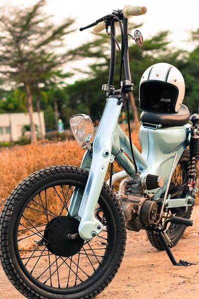 Honda Cub bobber độc đáo của sinh viên Việt - ảnh 5