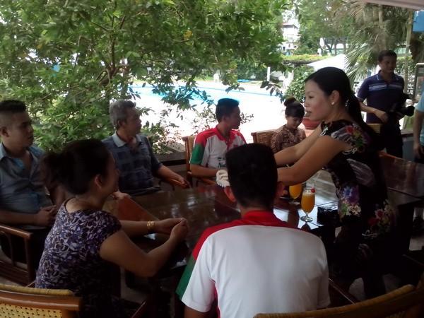 Cầu thủ U.19 Việt Nam phát hoảng vì lo chạy vé cho người thân - ảnh 1