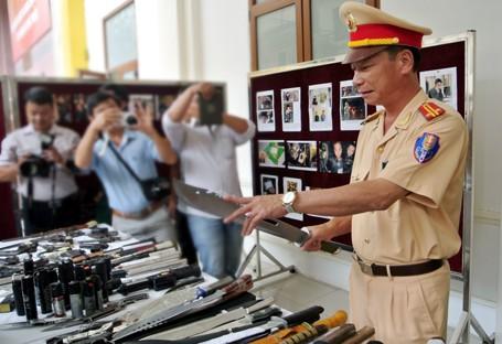 Choáng với lượng vũ khí 141 Hà Nội bắt trong 3 năm - ảnh 10