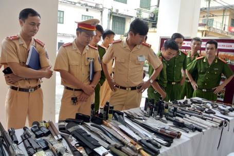 Choáng với lượng vũ khí 141 Hà Nội bắt trong 3 năm - ảnh 2