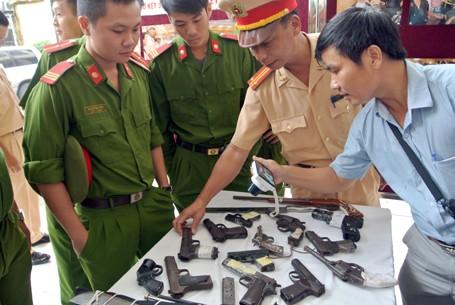 Choáng với lượng vũ khí 141 Hà Nội bắt trong 3 năm - ảnh 7