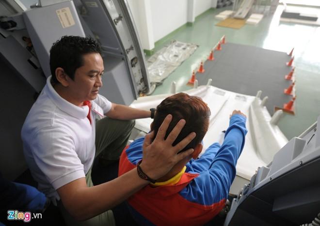 Tận thấy tiếp viên hàng không Việt khổ luyện - ảnh 12