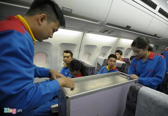 Tận thấy tiếp viên hàng không Việt khổ luyện - ảnh 5