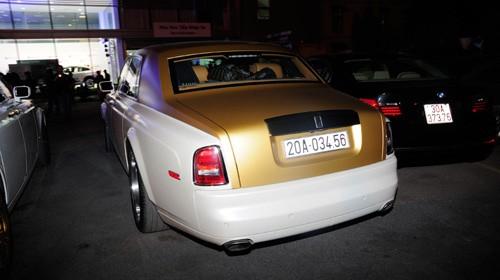 Lộ cặp đôi Rolls-Royce Phantom mạ vàng của đại gia Thái Nguyên - ảnh 1