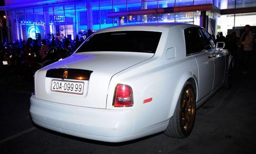 Lộ cặp đôi Rolls-Royce Phantom mạ vàng của đại gia Thái Nguyên - ảnh 2