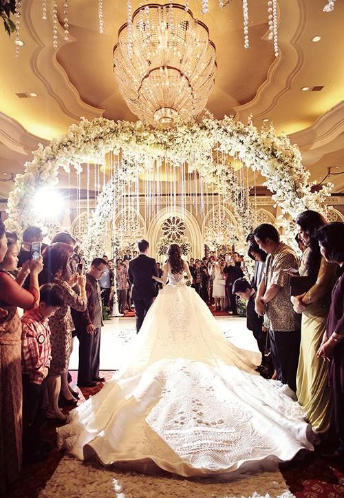 Cặp đôi tỷ phú Indonesia chi hơn 1 triệu USD làm đám cưới - ảnh 9