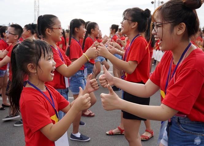 Hơn 3.000 em nhỏ tạo 2 kỷ lục Việt Nam - ảnh 8