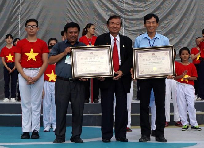 Hơn 3.000 em nhỏ tạo 2 kỷ lục Việt Nam - ảnh 12