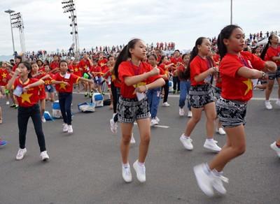 Hơn 3.000 em nhỏ tạo 2 kỷ lục Việt Nam - ảnh 5