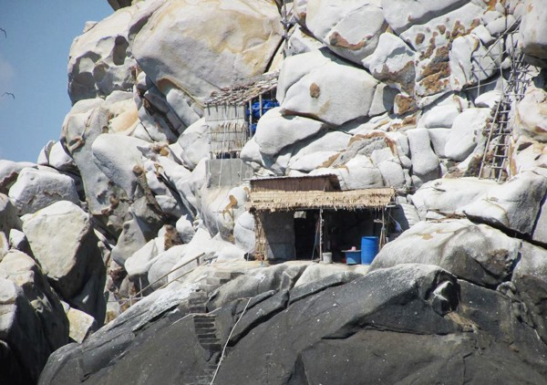 Một bờ cát, hai bãi tắm 'hiếm có khó tìm' ở Việt Nam - ảnh 11