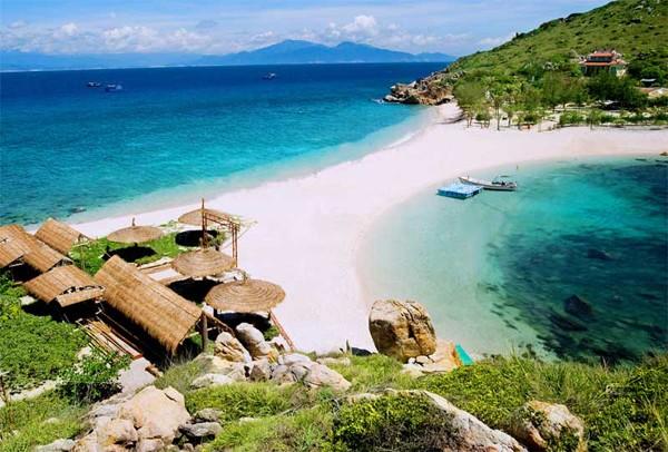 Một bờ cát, hai bãi tắm 'hiếm có khó tìm' ở Việt Nam - ảnh 2