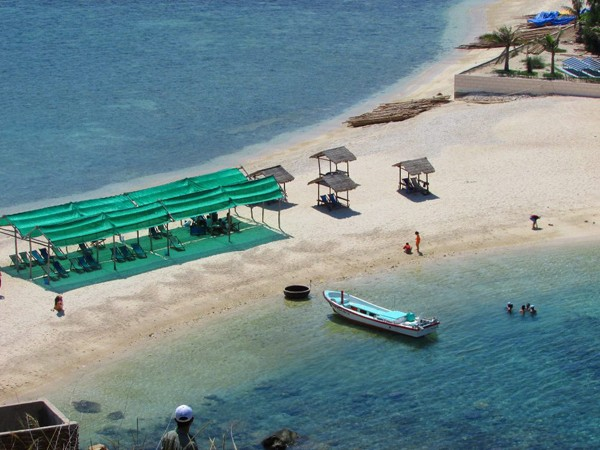 Một bờ cát, hai bãi tắm 'hiếm có khó tìm' ở Việt Nam - ảnh 5