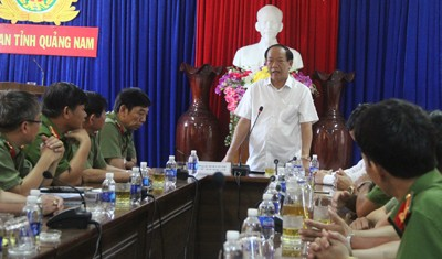 Vụ phá rừng pơ mu ở Quảng Nam: Thêm 5 đối tượng ra đầu thú - ảnh 1