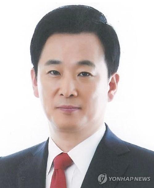 """Tổng thống Hàn Quốc thuê luật sư bào chữa vụ """"cố vấn bóng tối"""" - ảnh 1"""