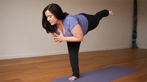 7 động tác yoga làm săn chắc cơ bụng  - ảnh 2