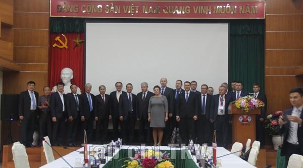 Lãnh đạo TKV tiếp và làm việc với Phó Thủ tướng Cộng hoà Belarus - ảnh 1