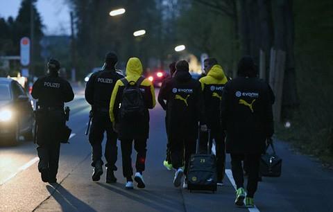 Ngôi sao Dortmund phải phẫu thuật sau vụ nổ bom xe buýt - ảnh 6