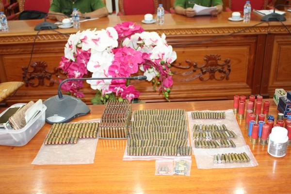 Triệt phá vụ tàng trữ vũ khí 'khủng' ở Đồng bằng sông Cửu Long - ảnh 1