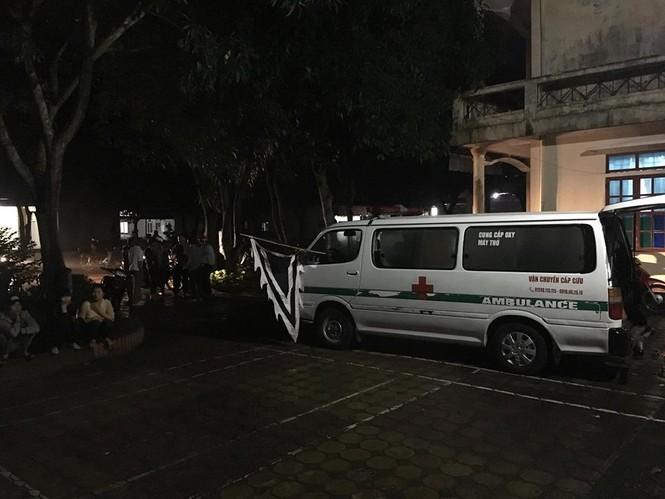 Sản phụ tử vong, hàng trăm người nhà bao vây bệnh viện trong đêm - ảnh 1