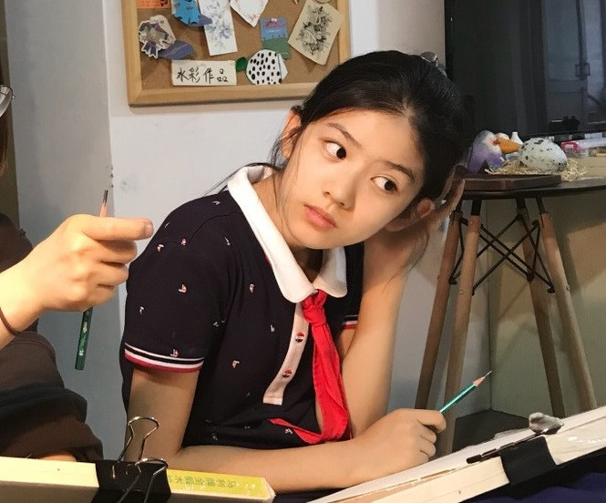 Cô bé 12 tuổi cao 1,60 m được ví như 'tiểu mỹ nhân' Trung Quốc - ảnh 2