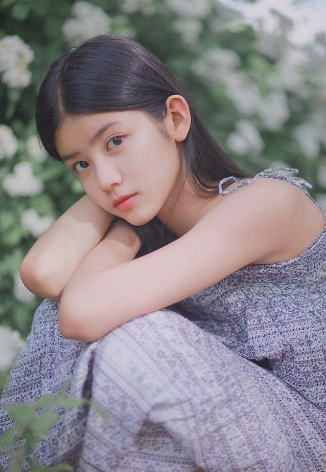 Cô bé 12 tuổi cao 1,60 m được ví như 'tiểu mỹ nhân' Trung Quốc - ảnh 3