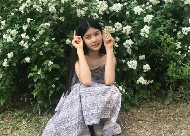 Cô bé 12 tuổi cao 1,60 m được ví như 'tiểu mỹ nhân' Trung Quốc - ảnh 4
