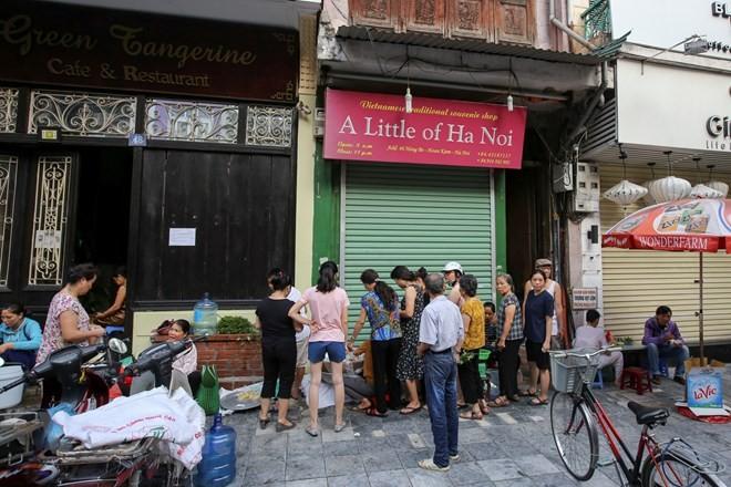 Người Hà Nội nhộn nhịp sắm Tết Đoan Ngọ, rượu nếp cấm hút khách - ảnh 2