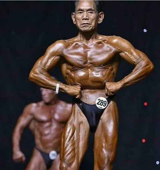Cụ ông 81 tuổi cường tráng như thanh niên nhờ tập gym 180 phút/ngày - ảnh 1