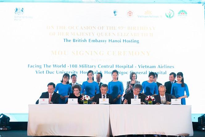 Ký kết hợp tác giữa FTW với Vietnam Airlines và nhiều bệnh viện lớn - ảnh 2