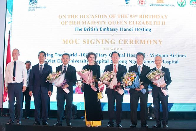 Ký kết hợp tác giữa FTW với Vietnam Airlines và nhiều bệnh viện lớn - ảnh 1