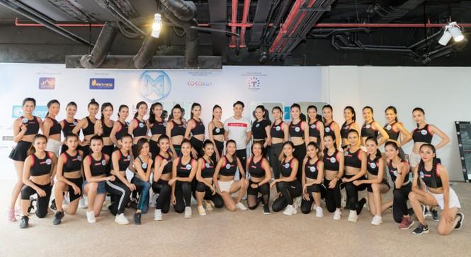 Các thí sinh Miss World Vietnam 2019 gấp rút tập luyện cho đêm chung kết  - ảnh 4