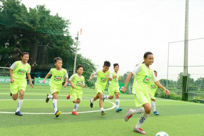 Tuyển bóng đá nhí Việt Nam lần đầu tranh tài tại giải đấu quốc tế - ảnh 2