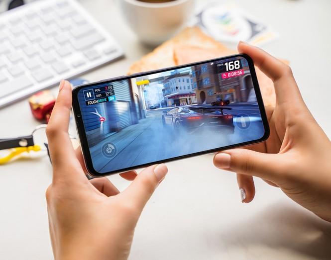 Vingroup công bố dòng điện thoại Vsmart thế hệ 2 - ảnh 1