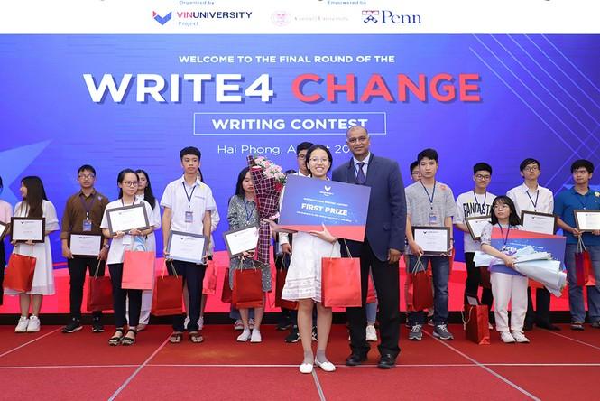Nữ sinh Hà Nội giành giải nhất cuộc thi viết luận bằng tiếng Anh Write4Change - ảnh 2