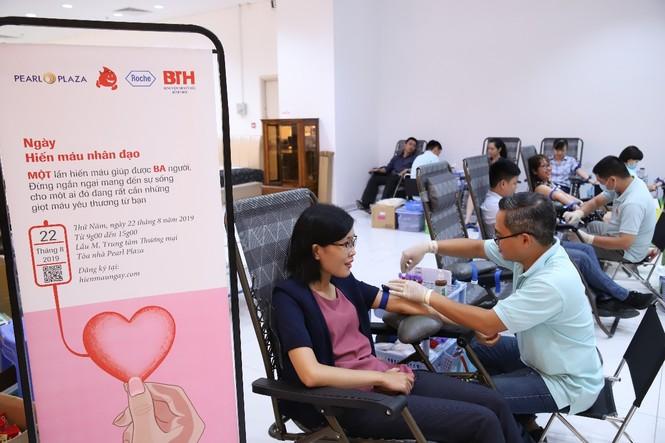 Roche tích cực đóng góp cho hoạt động hiến máu và sàng lọc máu tại  - ảnh 3