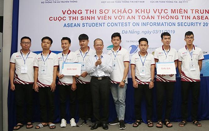 ĐH Duy Tân vô địch 'Sinh viên với An toàn Thông tin ASEAN 2019' khu vực miền Trung - ảnh 1