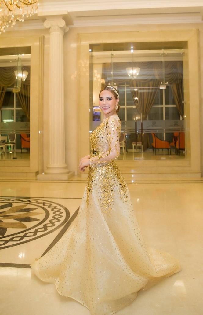 NTK Mai Phương Trang đẹp tựa nữ thần tại sự kiện họp báo cuộc thi Hoa hậu Doanh nhân Tài sắc Thế giới 2020 - ảnh 1