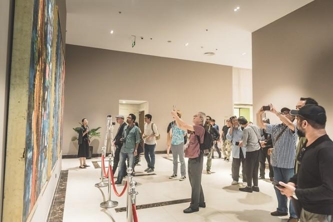 Đoàn nghệ sĩ châu Á ngỡ ngàng với Triển lãm nghệ thuật độc đáo tại Đại Lải - ảnh 2