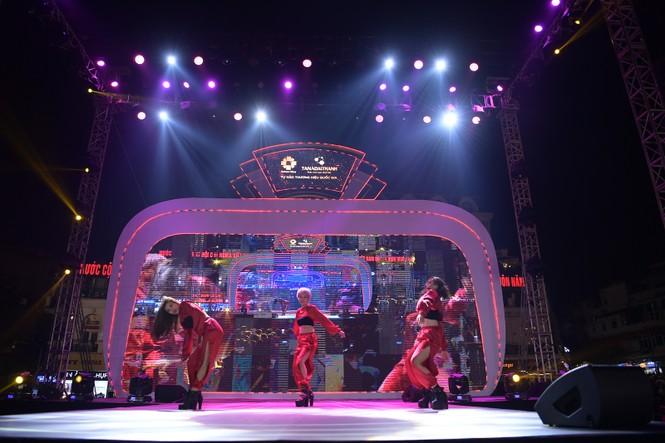 The Color Queen: Đại tiệc âm nhạc cho khán giả thủ đô - ảnh 5