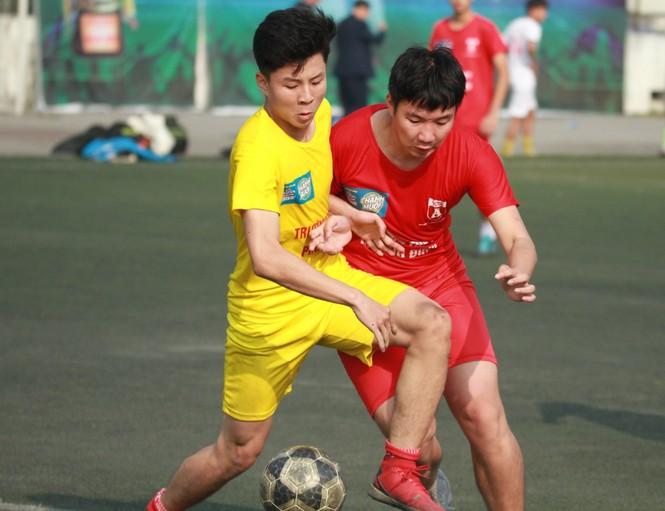Nhiều bất ngờ xảy ra sau lượt trận 1/8 giải bóng đá học sinh Hà Nội tranh Cup Number 1 Active - ảnh 1