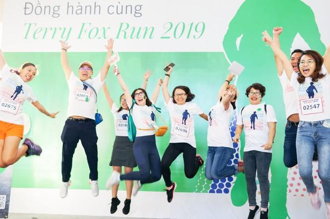 Manulife Việt Nam đồng hành với Terry Fox Run lan tỏa lối sống tích cực đến cộng đồng  - ảnh 1